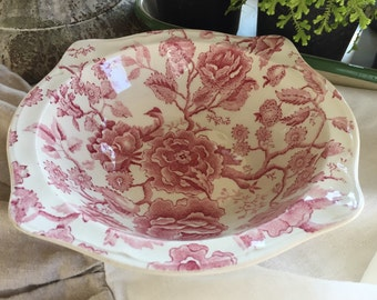 Johnson Brothers English Chippendale Serving Bowl
