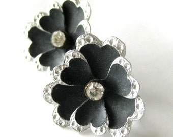 1960s FLORAL Flower Earrings in Black and Silver with Rhinestone Center / Screw-back Earrings