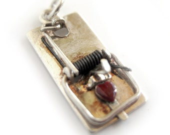 Mouse Trap Bracelet Charm with Red Enamel Heart / Sterling Silver / Moving Spring Loaded Charm
