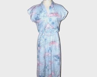 1970s dress / vintage 70s dress / large l / Pale Blue and Pink Peaceful Pond Dress