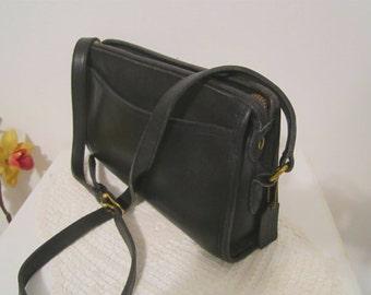 COACH Leather Bag Black leather shoulder purse Cross body