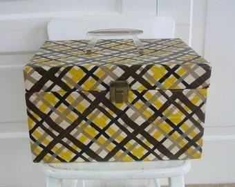Vintage Plaid Train Case Yellow Black Suitcase Retro Luggage Storage Make up