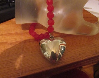 Red bead heart bracelet