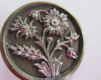 Vintage Buttons - 1 Collector molded brass and pewter metal extra large Victorian floral design, pictorial, (jan 149b)