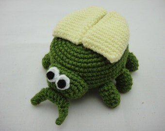 FREE SHIPPING Crochet Coin Small Purse - Beetle