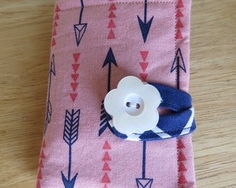 Tea Wallet in Navy Blue Arrows and Orange Triangles on a Salmon Background Tea Bag Holder