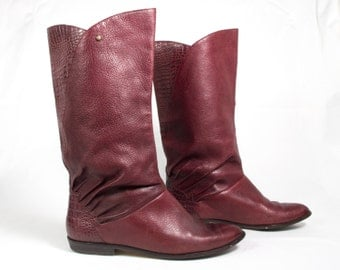 VTG 80's Burgundy Leather Riding Boots size 7 Womens Embossed Leather Mid Calf Flats Etienne Aigner Equestrian Slouchy