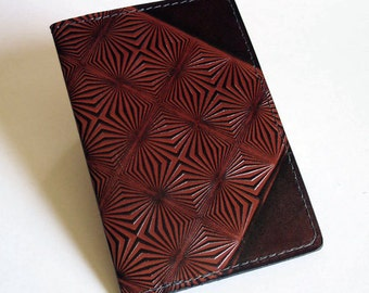 Leather Passport Cover / Card Case Wallet - U.S. and Canada - With Prism Pattern