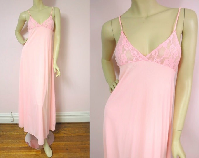 1970s Gaymode Coral Pink Nylon Gown Nightgown XS/S