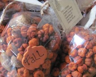 Ultimate Putka Pods Bowl Fillers, 4 Cups, Putka Pods WITH Hand Made Pumpkin,Hearts,Gingerman, Eucalyptus Pods,Star,Mini Pumpkins