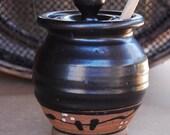 Honey Pot in Black