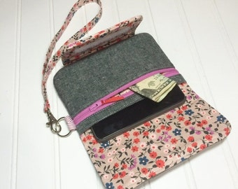 WEEKEND SALE - Girls night out wristlet - Cotton & steel floral with essex linen in charcoal
