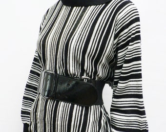 vintage 1980s black and white stripes knitted sweater top / 80s batwing sleeve sweater