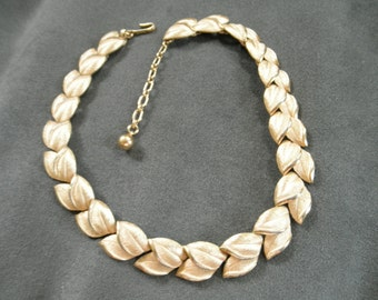 Vintage Trifari Golden Leaves Necklace - A stunning designer classic