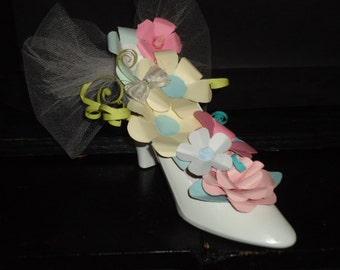 White High Heel Shoe Flower Arrangement  Mother's day Gift Cake Topper