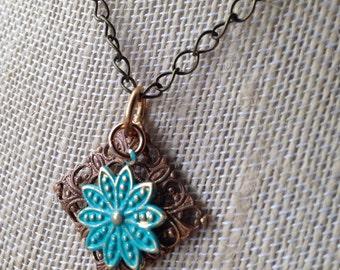 Brass flower necklace 2