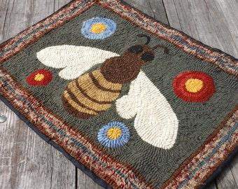 Primitve hooked rug, Whimsical Bee