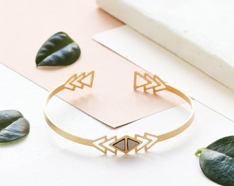 Venezuela Bracelet, Dainty Bracelet, Delicate Bracelet, Gold Bracelet, Triangle Bracelet, Laminate Bracelet, Dainty Cuff, Thin Gold Cuff
