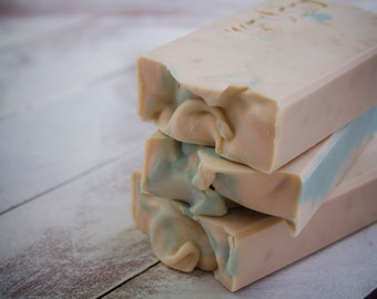 Peppermint soap bar,  Minty soap, Handcrafted soap, Cold Process Soap, Vegan soap, Winter soap, Soap for Men, Handmade soap bar, Mens soap