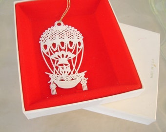Vintage Winterlace by Tamerlane Hot Air Balloon Christmas Ornament in Original Box
