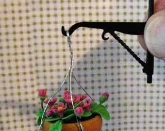 Dollhouse wall hanging plant, flower pot, mini hanging plant, miniature flowers, twelfth scale, dollhouse miniature