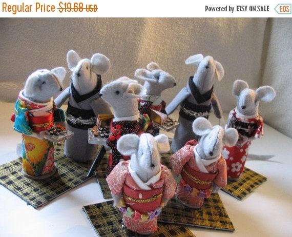 ON SALE Miniature Mouse, Samurai with Sword, Kimono Style with Glass Sushi Tray or Butterfly, Handmade Amigurumi Mouse, Amigurumi Samurai Mi