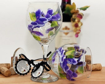 Flower wine glass, painted wine glass, floral wine glass, wine lover gift, personalized gifts, wine glass, purple glass, unique wine gifts