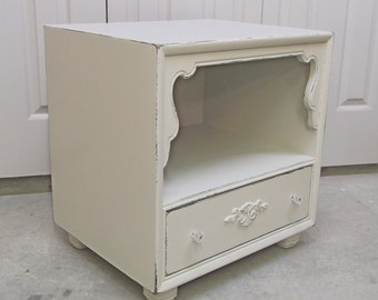 Painted End Table / Nightstand, Distressed White Cottage Style  - NS602 Shabby Farmhouse Chic