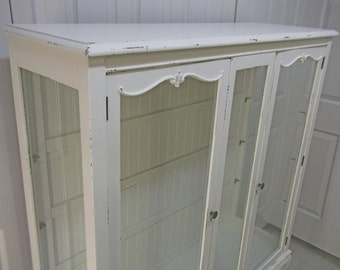 China Cabinet / Vitrine Curio Cabinet, Distressed White Cottage Style - CB104 Shabby Farmhouse Chic