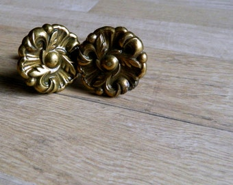 2 Beautiful Vintage Drawer/Cabinet Pull 1970's Round Regency Ornate Leaf knob, Brass plated, Restoration, replacement hardware