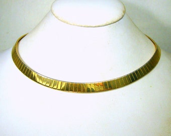 Vintage Egyptian Revival Gold Circle Necklace, Torque Omega  Around Your Throat, Nefertiti Style, Classical and Elegant, 1980s
