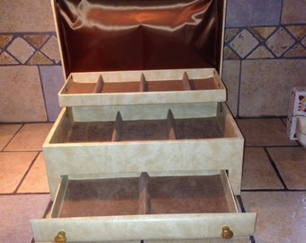 Beige Leatherette Jewelry Box by Lady Buxton