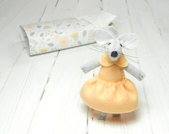 Woodland felt animal miniature animal cute felt mouse doll in a matchbox Apricot  felt minnie mouse stuffed animal soft