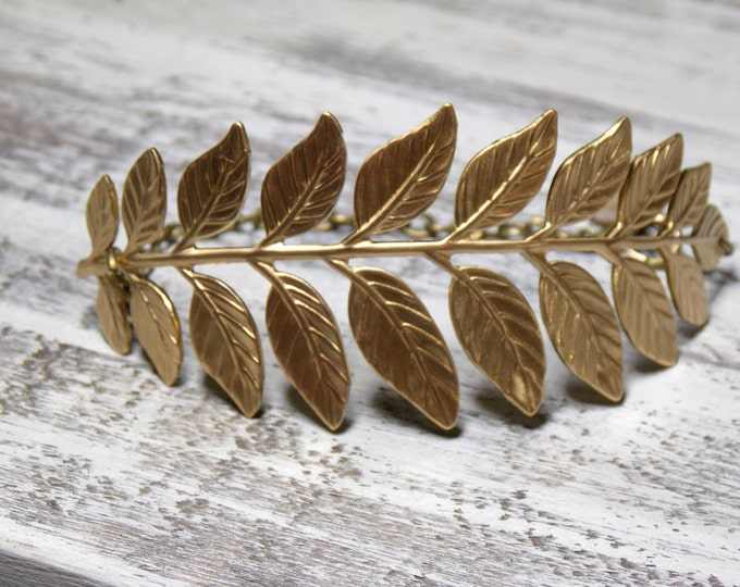 Gold Leaf Bracelet Woodland Bracelet Gold Cuff Bracelet Gold Pearl Bracelet Rustic Brass Leaf Bridal Woodland Nature Freshwater Pearl