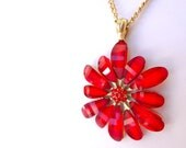Red Glass Vintage daisy Flower pendant Necklace - with long goldtone chain