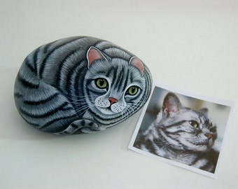 Pet portrait cat - Custom Pet Portrait - Custom Portrait painted rocks art painting from your photo pet memorial gift idea personalized