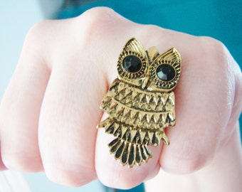 Vintage style brassy gold owl ring with black eyes- fully adjustable (RI-3)