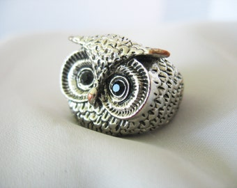 Owl Ring Black Glass Eyes Silver over Copper Vintage 1980s Statement Ring Unisex