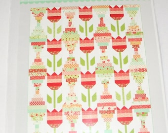 Vintage Tulips Quilt pattern Thimble Blossom