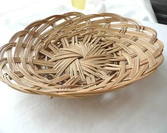 vintage basket, biscuit basket, roll basket, cracker basket, wicker basket, round basket, vintage housewares, fruit basket, country cottage