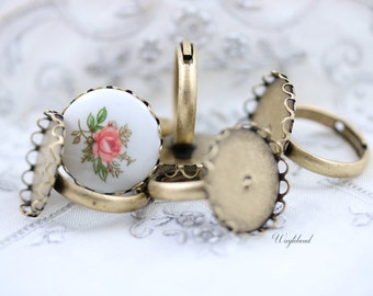 Vintage Adjustable Antique Brass Ring Blank with Round Lace Setting - 4