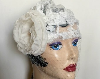 Bridal Cloche Hat with Bird Cage Veil, Flapper Style Bridal Hat, Chemo Bridal Cloche, Lace Wedding Hats, Cream Lace Hat, Handmade in the USA