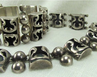 Circa 1950 Sterling Silver Mexican Necklace, Bracelet and Earrings Set