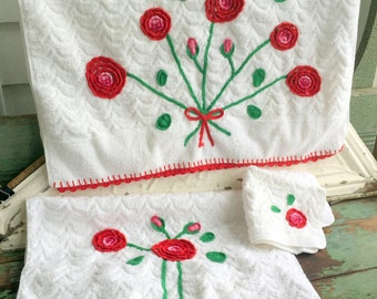 Vintage  Retro set White Cannon Bath towels With red Crochet Embellished trim & Flowers