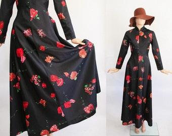 70s Hippie Floral Maxi Dress / Tulip Print  / Empire Waist + Long Sleeves / 1970s Full Sweeping Floor Length Dress / Hostess Dress / Medium