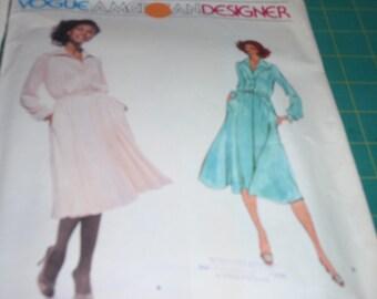 Vogue 1829  Vintage 70's  Dress by American Designer Jerry Silverman Size 16