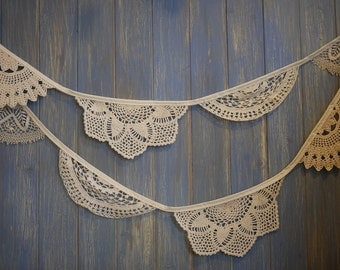 Vintage Doily Bunting. Wedding Bunting. A beautiful 3m strand made out of gorgeous off white doilies.