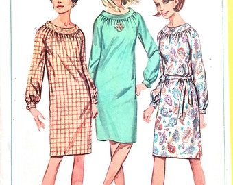 Simplicity 6621; ©1966; Misses' One-Piece Dress: Slim dress with long raglan sleeves gathered  buttoned cuffs Vintage Sewing Pattern Bust 32
