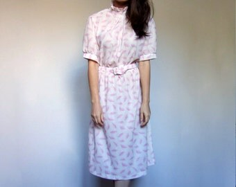 Vintage White Dress 70s Sheer Simple Short Sleeve Pink Feather Novelty Print Summer Sundress - Large L