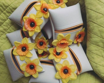 Monster coin purse in darling daffodil